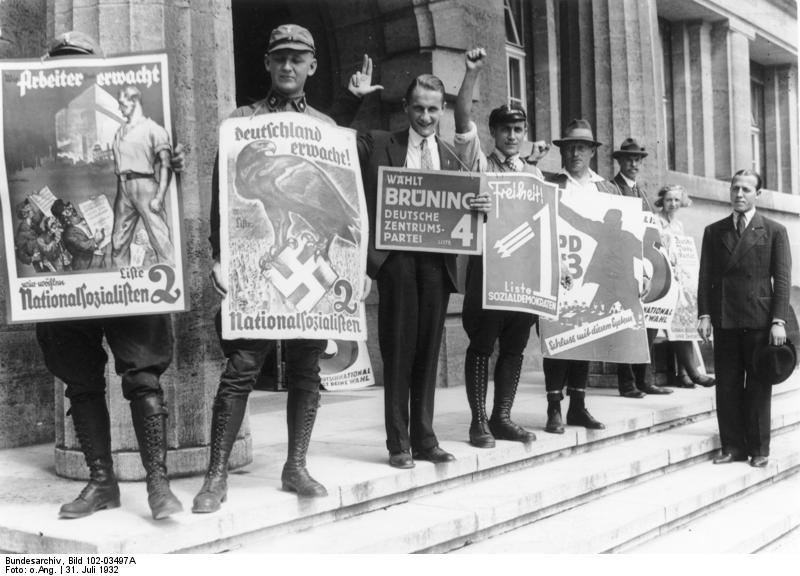 Bundesarchiv Bild 102-03497A, Berlin, Propaganda zur Reichstagswahl