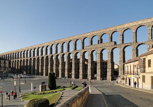 Aqueduct of Segovia 02