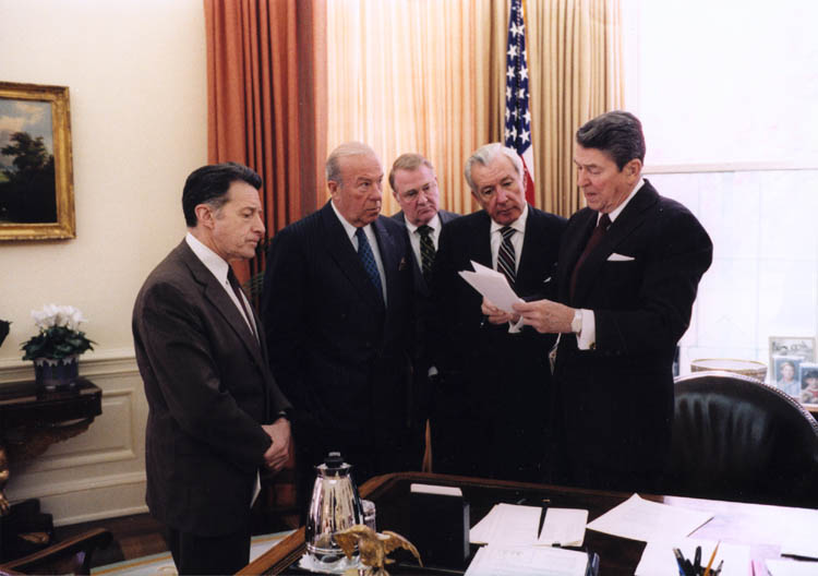 Reagan meets with aides on Iran-Contra