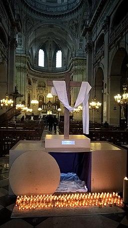 Réplique du tombeau du Christ à Pâques 2017 dans l'église Saint-Paul-Saint-Louis