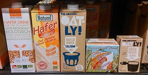 Hafermilch aus dem Bio-Supermarkt